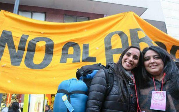 """Duele avance de ley de aborto""; Obispos de Argentina piden diálogo"