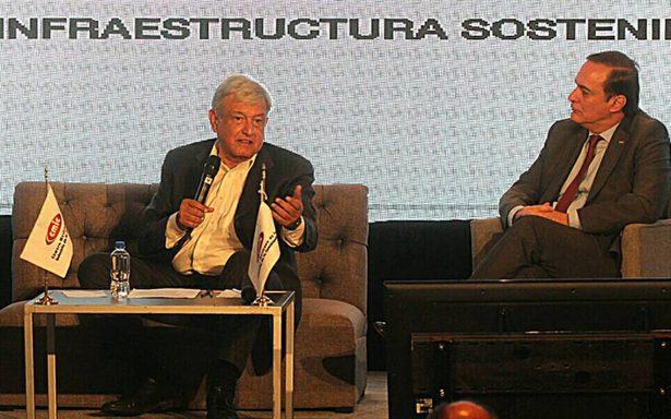 AMLO y empresarios acuerdan mesa para analizar construcción del NAIM
