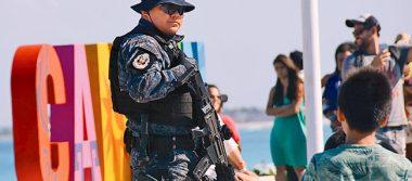 Presencia policial no frena la llegada de turistas al Caribe mexicano