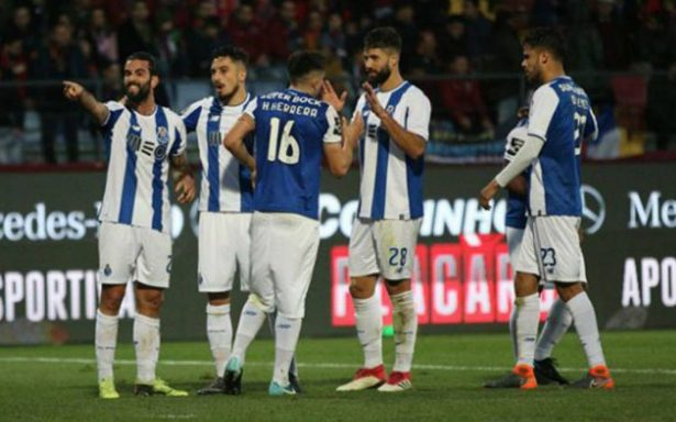 Con toque mexicano, el Porto se dio un festín en Portugal