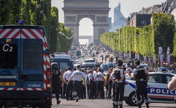 Tensión en Francia; falla ataque terrorista en los Campos Elíseos