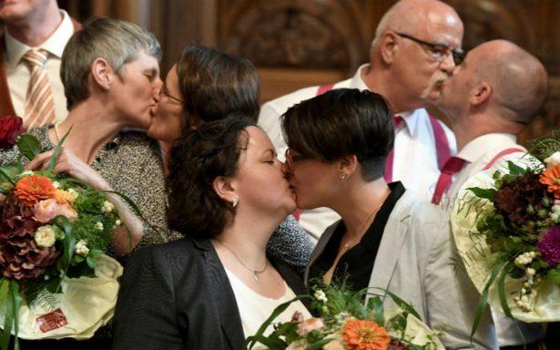 Alemania celebra su primer matrimonio gay, también podrán adoptar