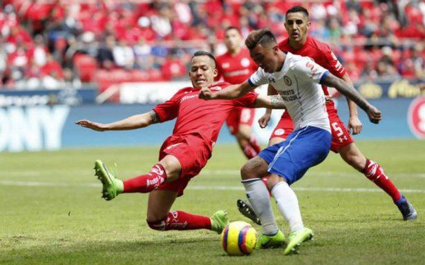 Cruz Azul rescata empate  en visita a Toluca