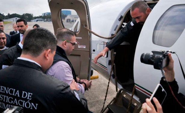Guatemala entrega a Javier Duarte a la PGR para su extradición