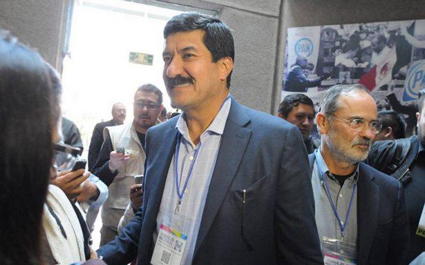 Javier Corral se deslinda del proceso de selección del PAN