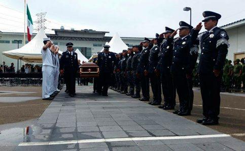 Realizan homenaje póstumo a federales que murieron en Cardel