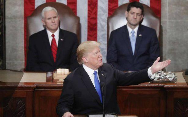 """Trump defiende muro a cambio de legalizar a """"dreamers"""""""