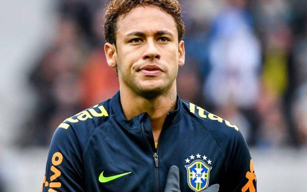Dejen de inventar historias, pide Neymar entre lágrimas