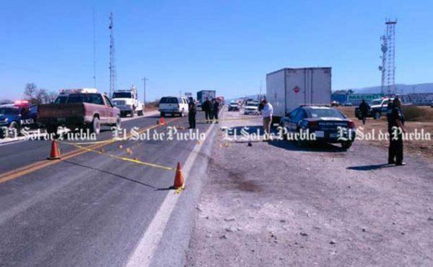 Huachicoleros paran construcción de carretera