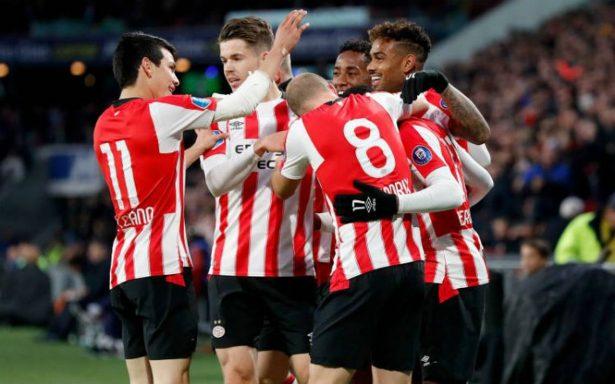 Con el Chucky Lozano de titular, el PSV obtiene sufrida victoria sobre el Twente
