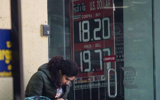Peso pierde 1.5% en sesión postdebate; dólar se vende hasta en 19.14 en bancos