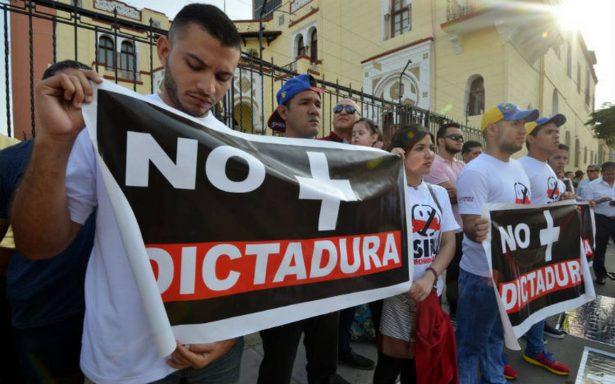 Partidos opositores venezolanos recolectan firmas para su legalización