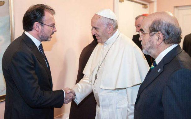 Videgaray saluda al Papa en Roma; agradece cercanía con México durante sismos