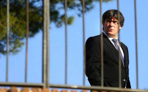 Gobierno de España pide a Puigdemont aclarar situación antes del jueves