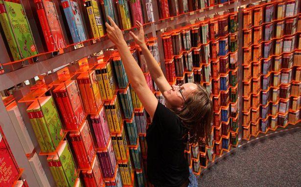 Merkel y Macron inauguran 69 Feria del Libro en Frankfurt