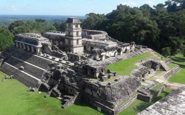 INAH recibe donativo para la conservación de Palenque