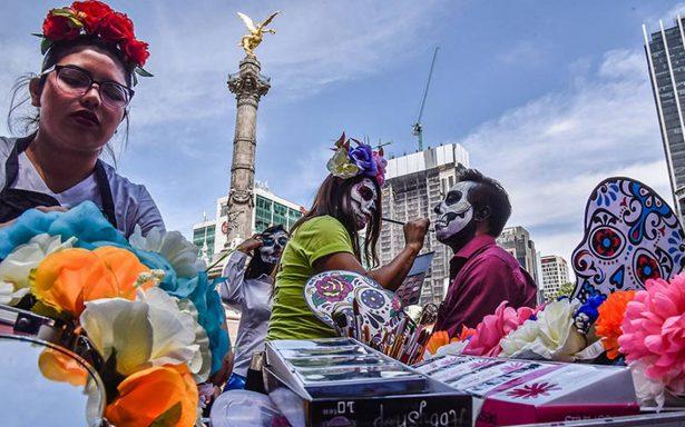 Cientos de Catrinas deambulan por la CDMX en Mega Procesión 2017