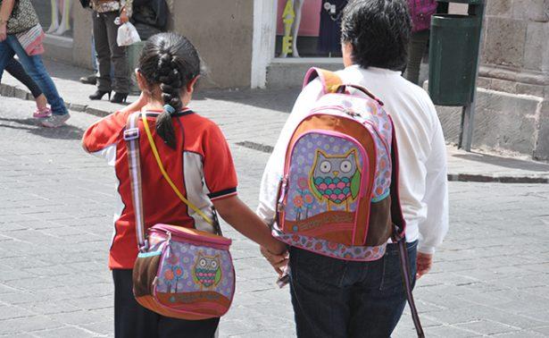 "Padres de familia están de acuerdo por ""Mochila Segura"""