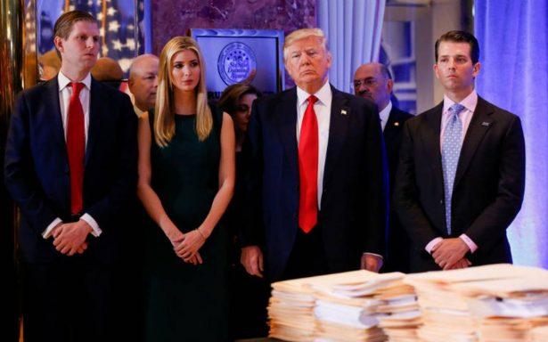 Fiscalía de Nueva York demanda a fundación de Trump por irregularidades