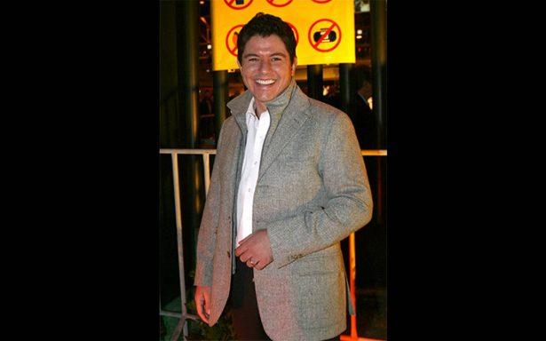 Ernesto Laguardia llega a China como conductor de televisión