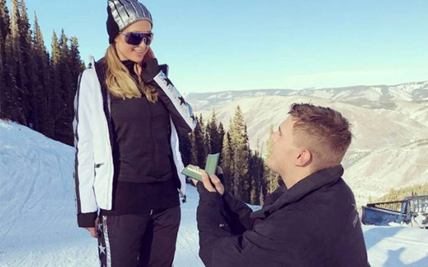 Esto fue lo que costó el lujoso anillo de compromiso de Paris Hilton