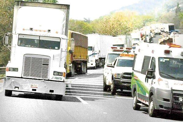 Marcha de transportistas al Senado