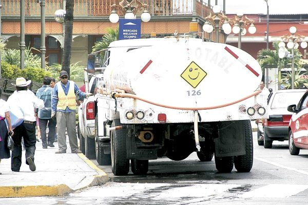 Niega alcalde instalación de nuevos medidores de agua
