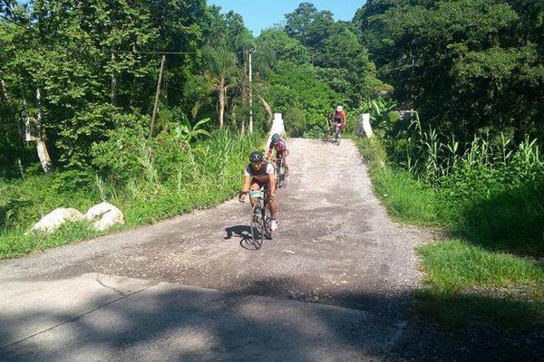 Un éxito, carrera de ciclismo en Ixtac