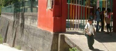 Lluvia provoca daños en dos escuelas