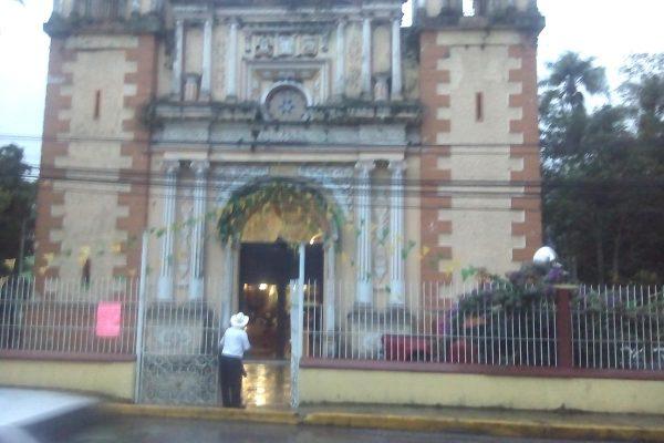 Católicos piden a alcalde  apoye a iglesia abandonada