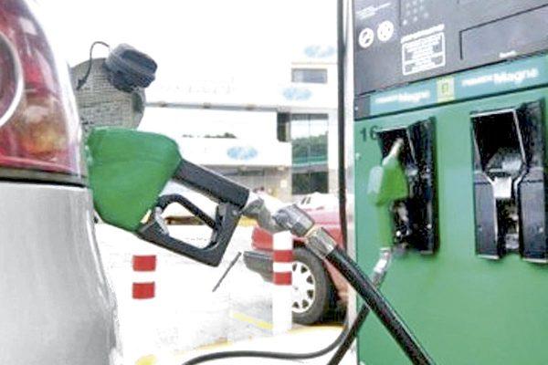 Venta de gasolina, en picada