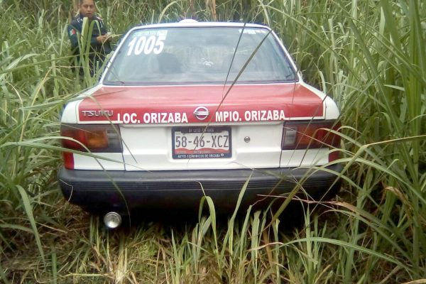 Recuperan taxi robado