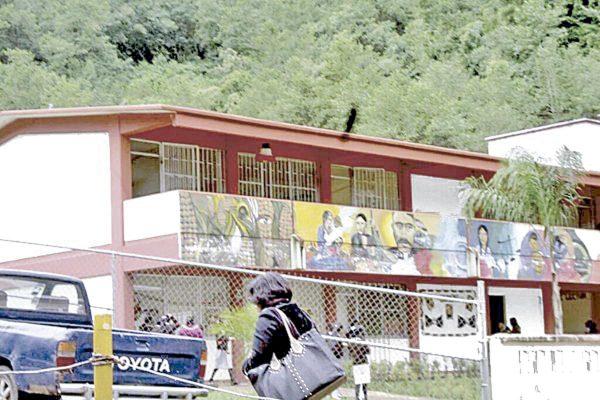Confirman daños en cinco escuelas de Rafael Delgado