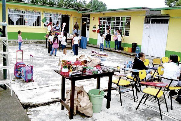 Clausuran dos escuelas afectadas durante el sismo