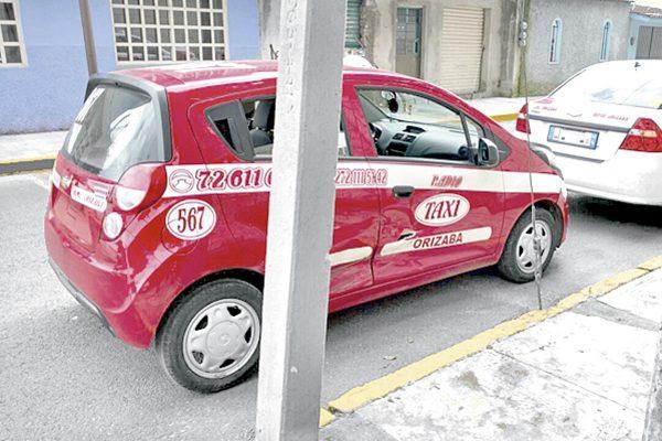 Chocan taxi y auto particular