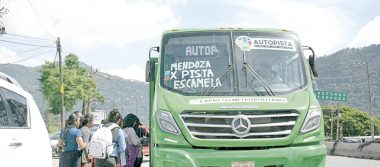 Buscan que mujeres operen autobuses
