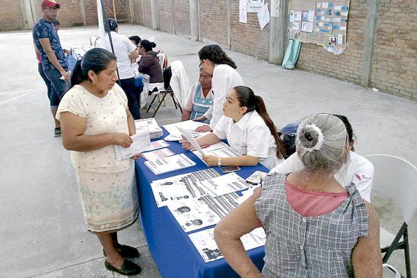 Atiende Feria de la Salud a más de 300 habitantes de escasos recursos