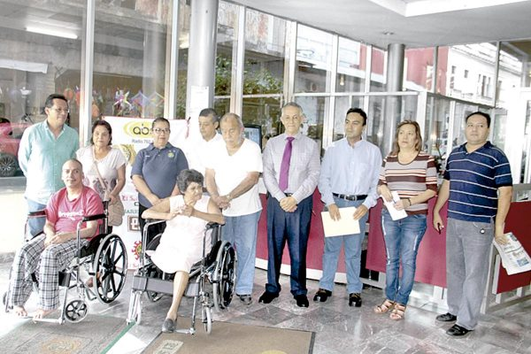 ABC Córdoba Radio y el Club Rotario donaron otras dos sillas de ruedas