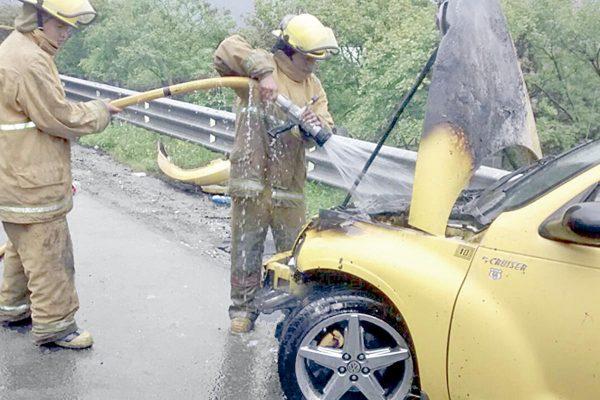 Vagoneta dañada por el fuego