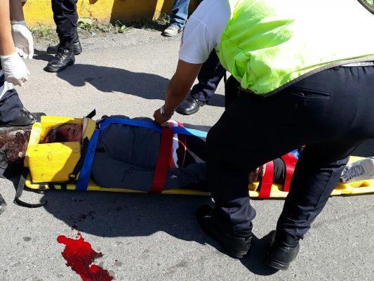 Muere mujer arrollada por taxi