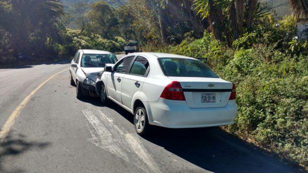 Colisionan vehículos en Acultzingo