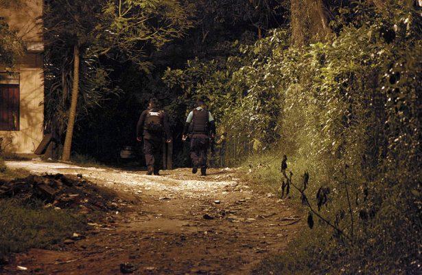 Tiran 11 bolsas con restos humanos en colonia de Xalapa