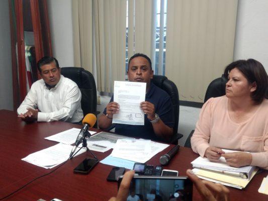 Juan Manuel Díez debe respetar la autonomía de Huiloapan y pagar sus obligaciones
