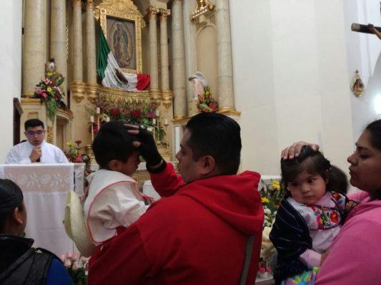 Bendicen a cientos de niños en Santuario Guadalupano