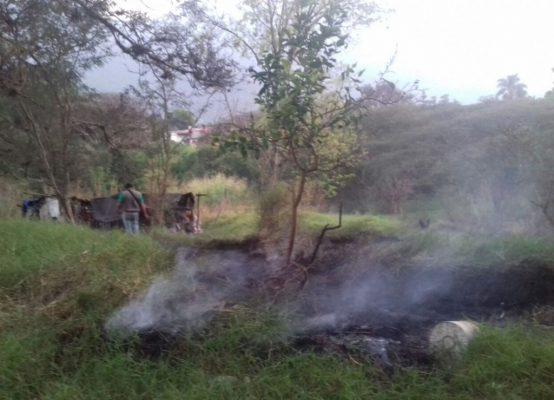 Se sale de control incendio en pastizal, en Nogales