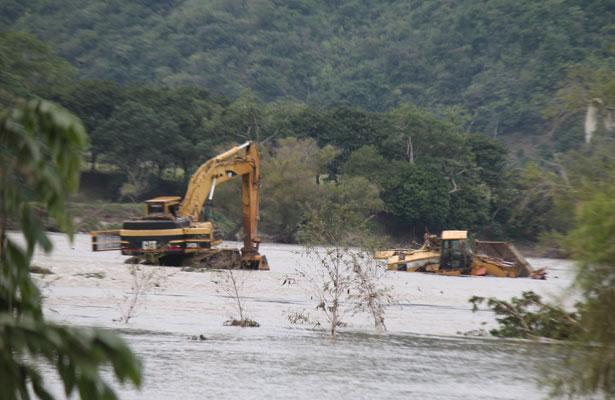 Incomunicadas, varias localidades por desbordamiento de río