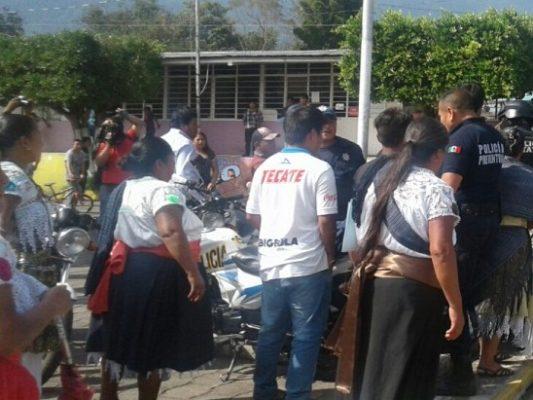 Zafarrancho en el MP de Ixhuatlancillo; se lían a golpes entre familiares
