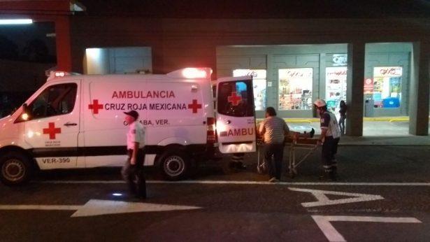 Atropella camioneta a ciclista frente a la Alameda Central