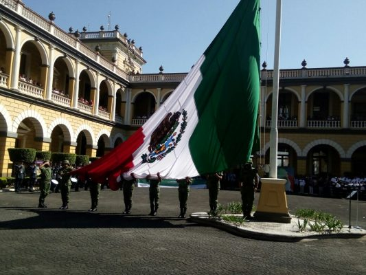 Conmemoran autoridades Día de la Bandera