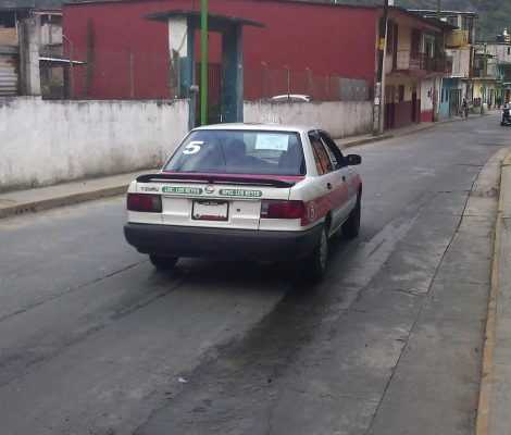 Zongoliqueños reciben servicio de transporte público irregular